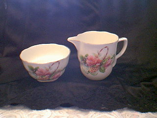 ENGLISH CHINA SURAR & CREAMER