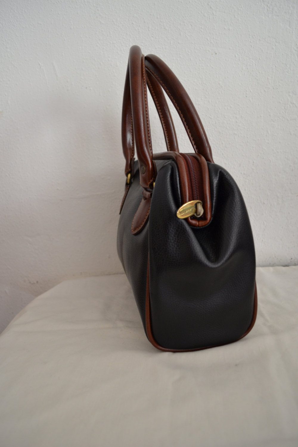 Free Ship Liz Claiborne Purse Brown and Black Vegan Faux Leather Handbag