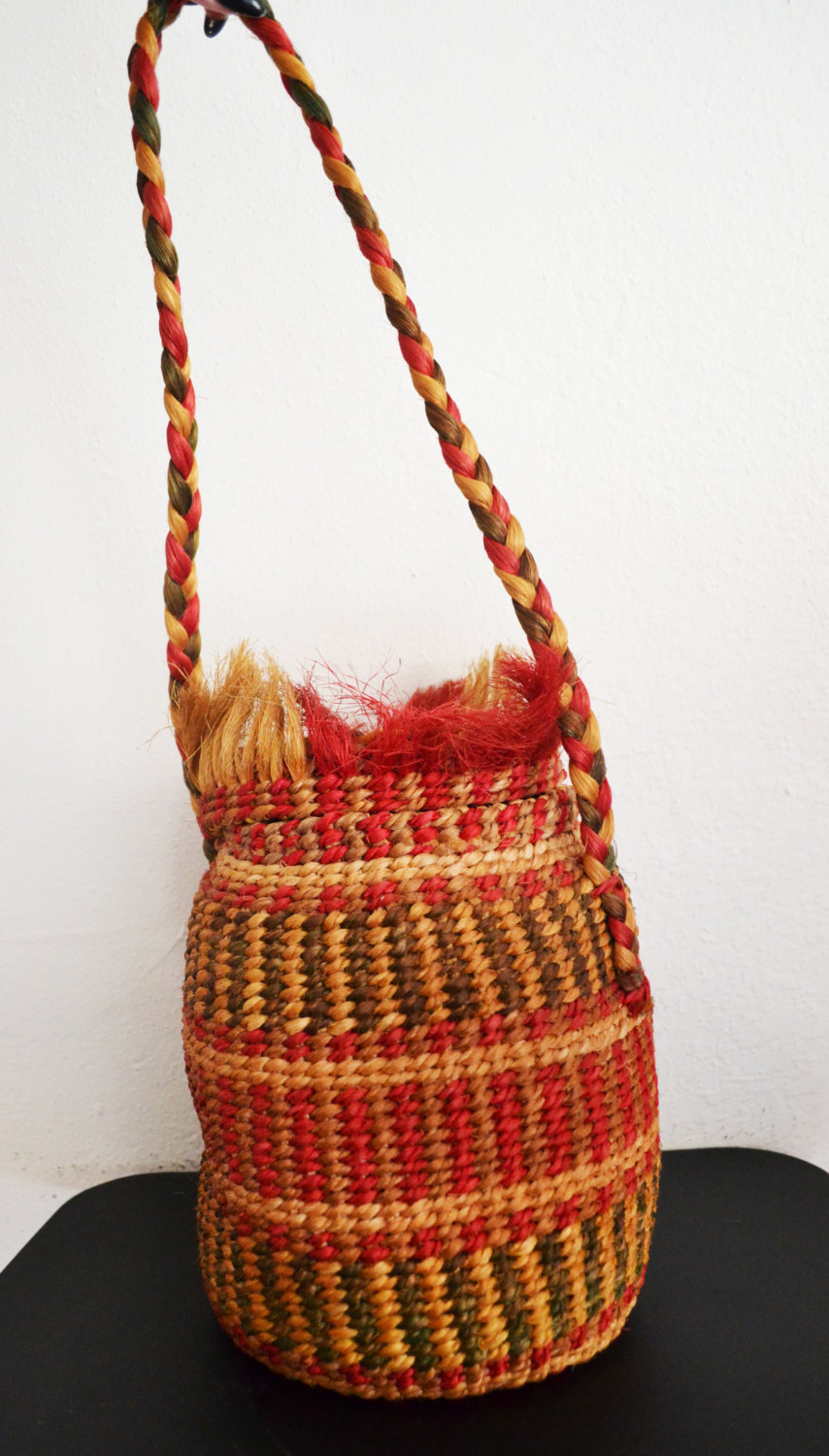Free Ship Ethnic Sisal Purse Weaved Shoulder Bag Round