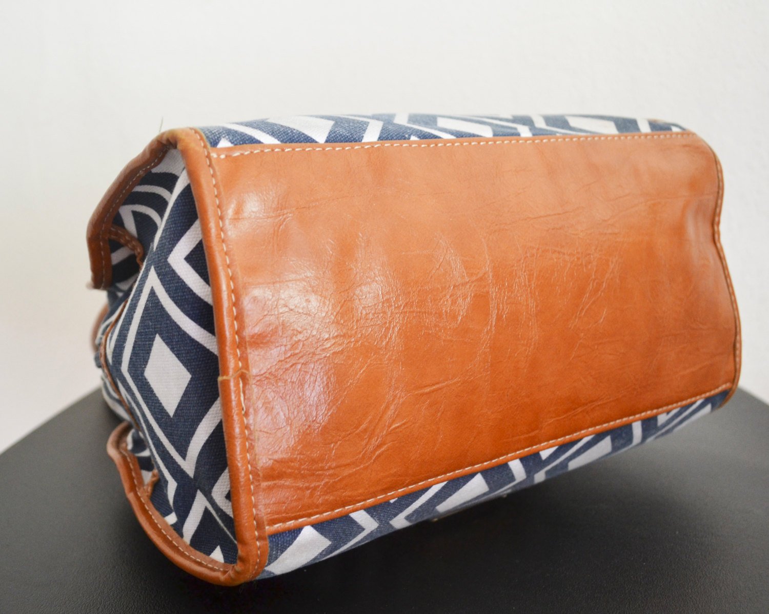 Free Ship Blue and White XOXO Purse Faux Brown Leather Trim