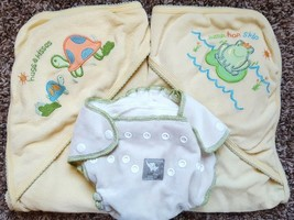 Size NB 0-6 M Months 2 Terry Hooded Towels (Frog, Turtle) & Baby Chai Di... - $26.00