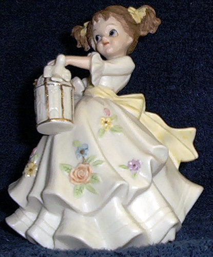 Lefton China Amelia Antique Ivory #1004 yellow dress