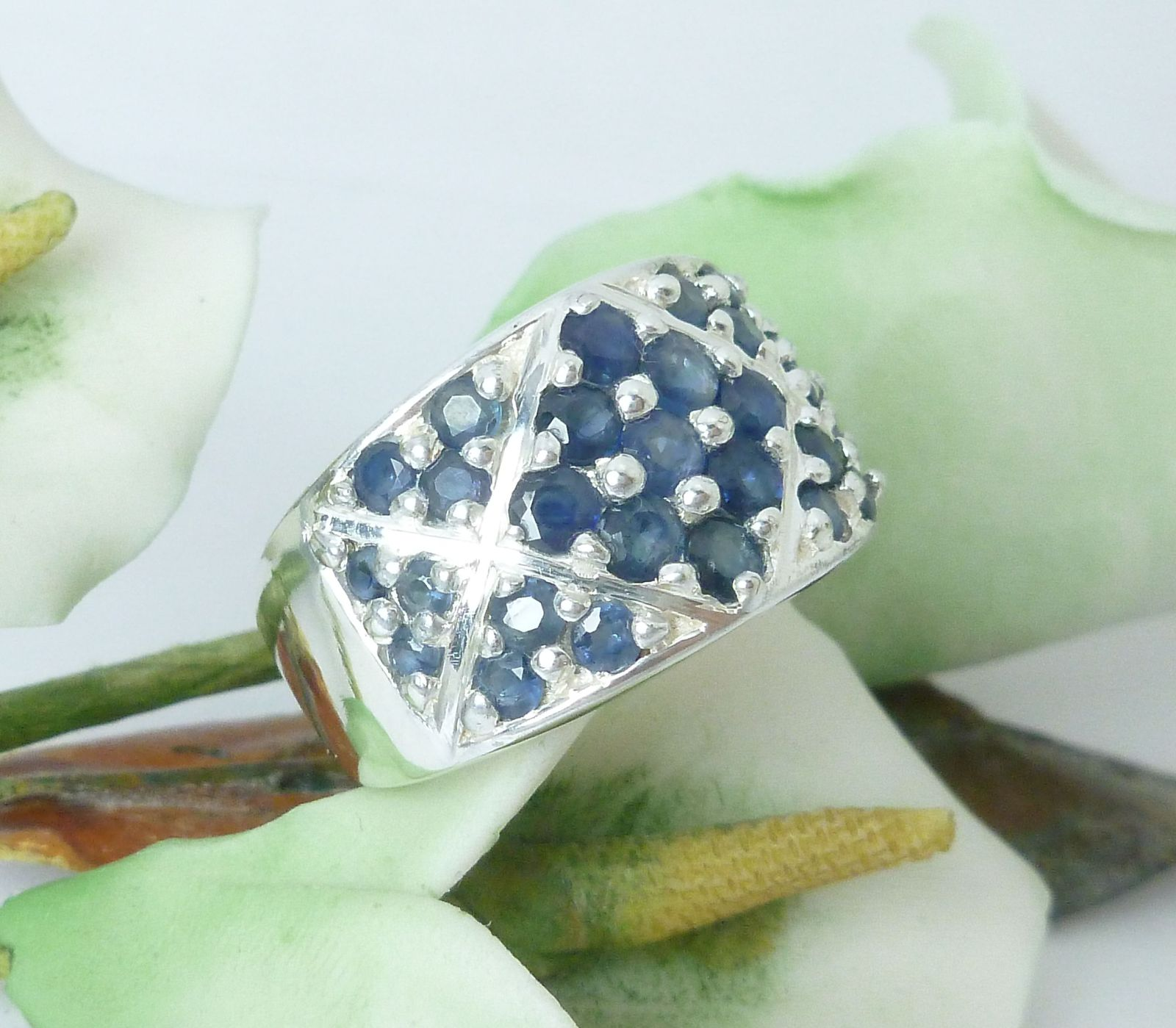 Sterling Sapphire Round Gemstone Ring Size 7