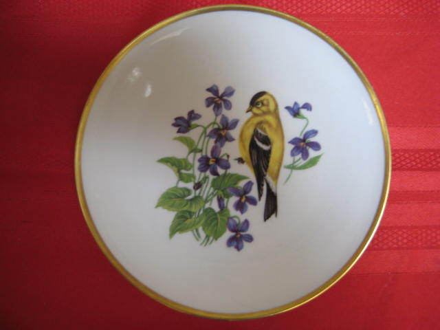 Yellow Finch Shumann Arzberg Golden Crown Plate - MINT