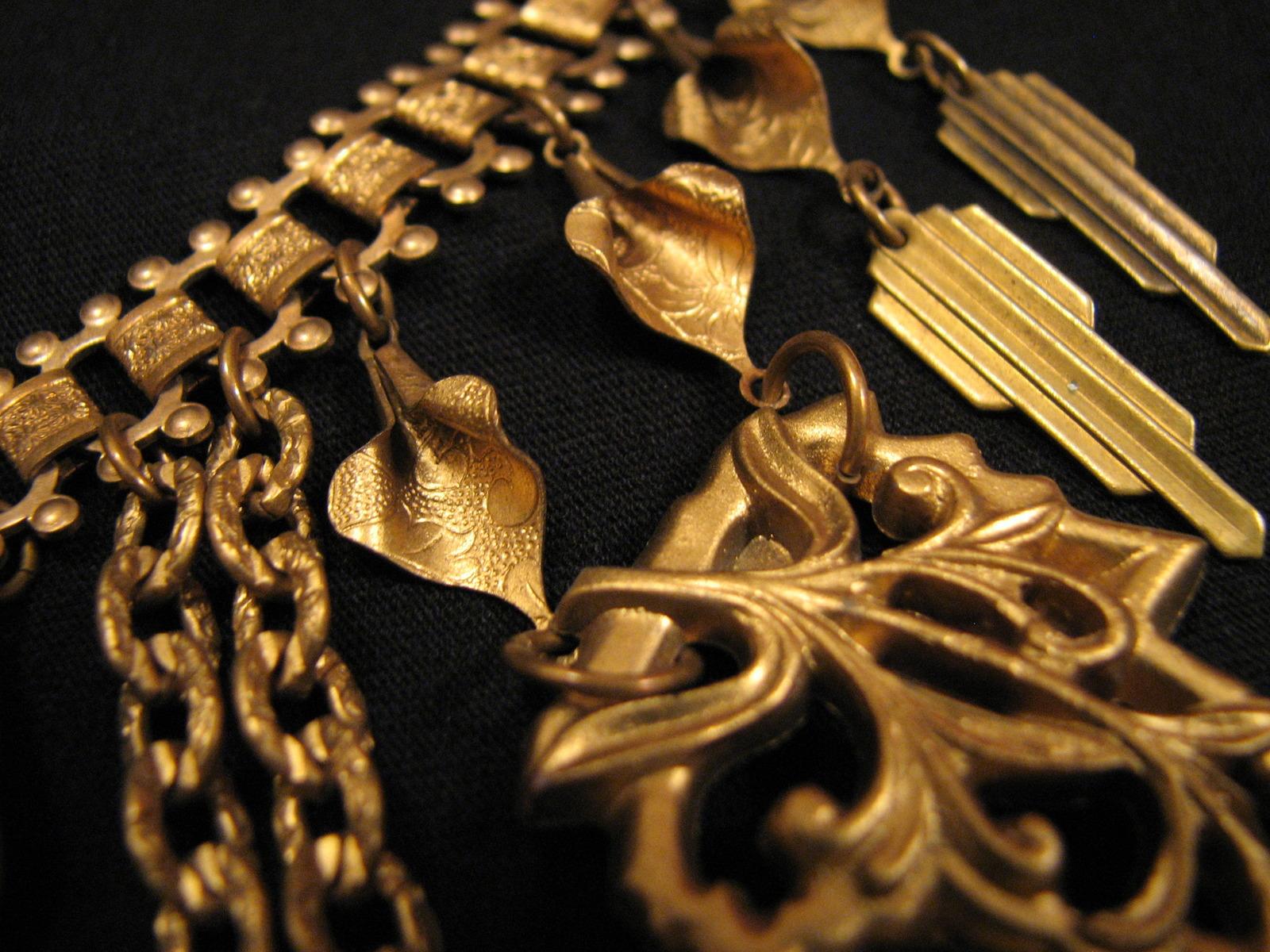 Antique Miriam Haskell Gold Gilt Bakelite Ivy Leaf Book Chain Bib Necklace
