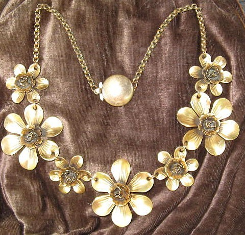 Vintage 1940's Golden Gold Tone Collar of Flowers Necklace