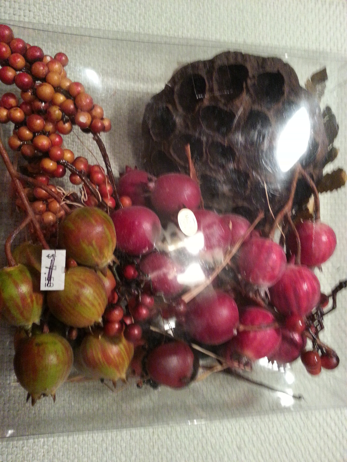 Dried fruit and berries decor