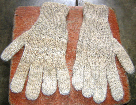 white alpaca wool gloves,mittens with cable pattern