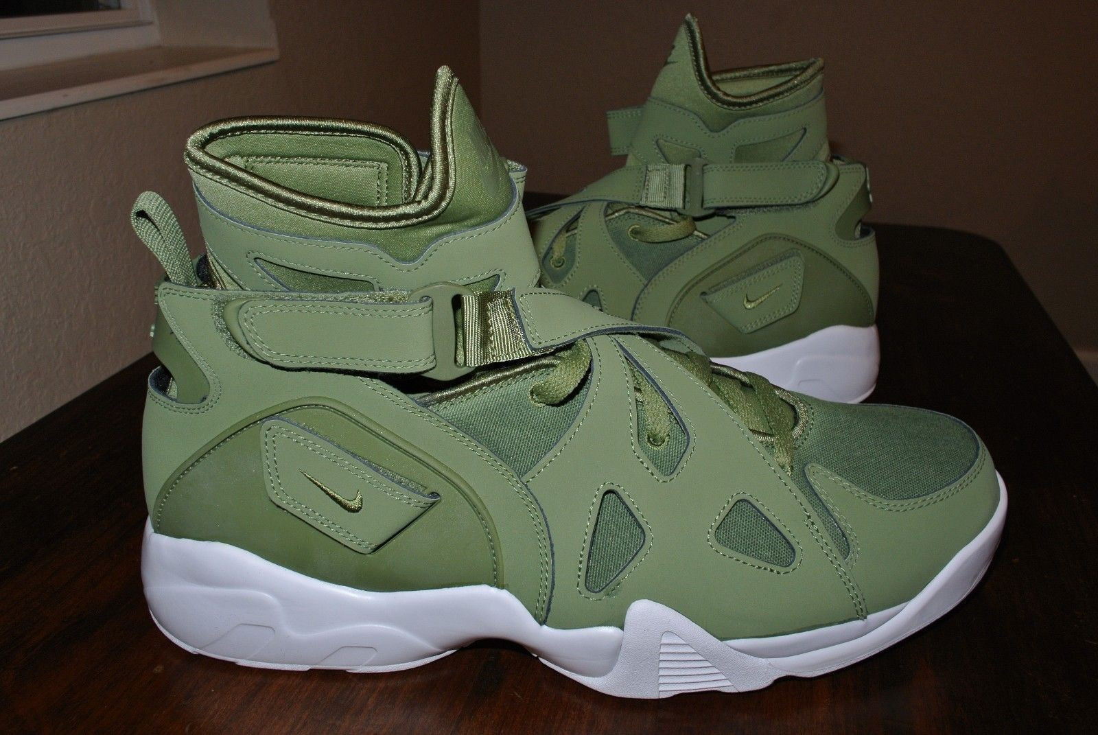 203b88b9a10 Nike Air Unlimited Palm Green White 889013 and 50 similar items