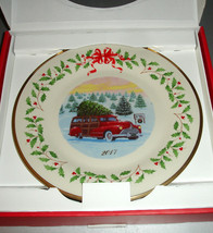 "Lenox 2017 Holiday Annual Collector Plate Red Woody Station Wagon 11"" New - $54.90"