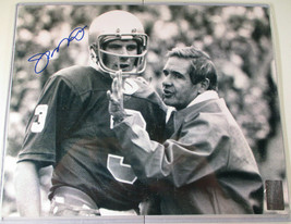 JOE MONTANA / NFL HALL OF FAME / AUTOGRAPHED 8X10 GAME ACTION PHOTO / PLAYER COA