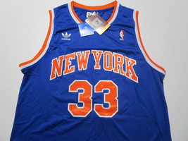 PATRICK EWING / NBA HALL OF FAME / AUTOGRAPHED N.Y KNICKS THROWBACK JERSEY / COA image 2