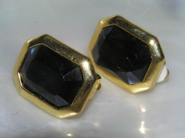 Estate Black Faceted Rhinestone in Hexagon Goldtone Setting Clip Earrings – - $6.97