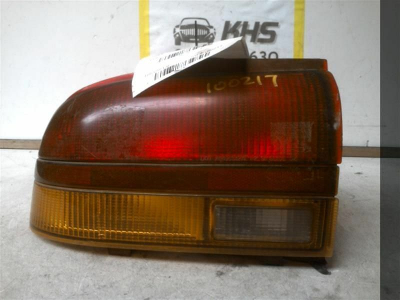 Primary image for Driver Tail Light Sedan Quarter Panel Mounted Fits 96-97 SATURN S SERIES 107260