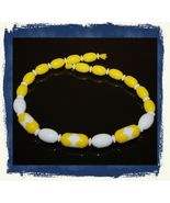 "VTG 1987 AVON ""Sunsations"" Plastic Beaded Strand Bright Yellow/White Nec... - $9.99"