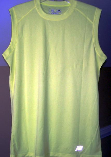 Primary image for New Balance Safety Green Small N7117 Ndurance Athletic Workout T-Shirt verde