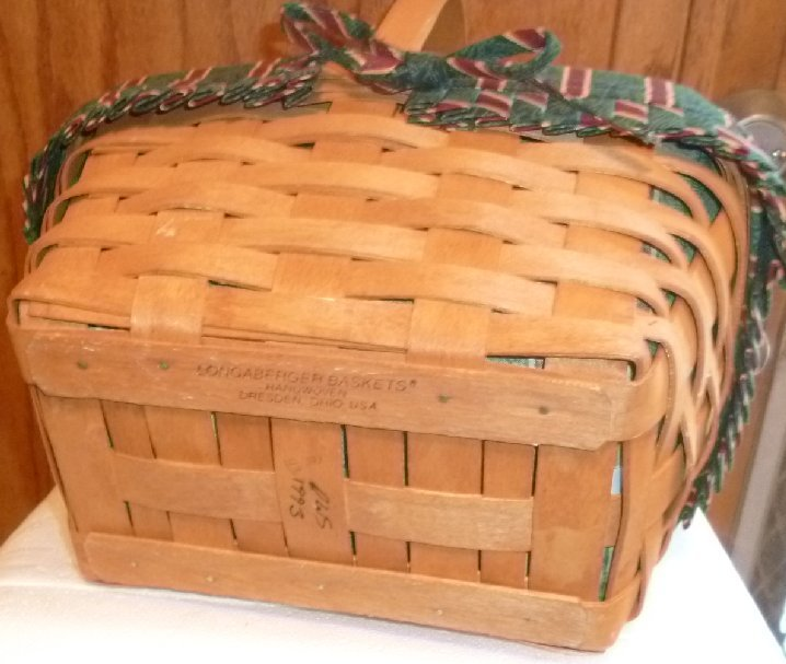 LONGABERGER 1993 hand woven basket cloth & plastic liner