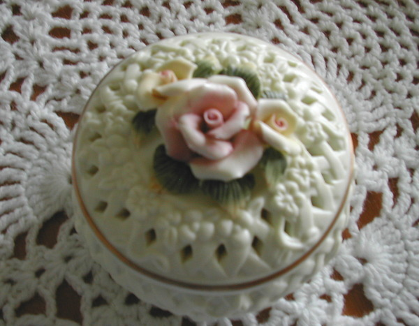 Porcelain Bisque basket weave Roses Trinket Box - New INVENTORY CLEARANCE SALE!