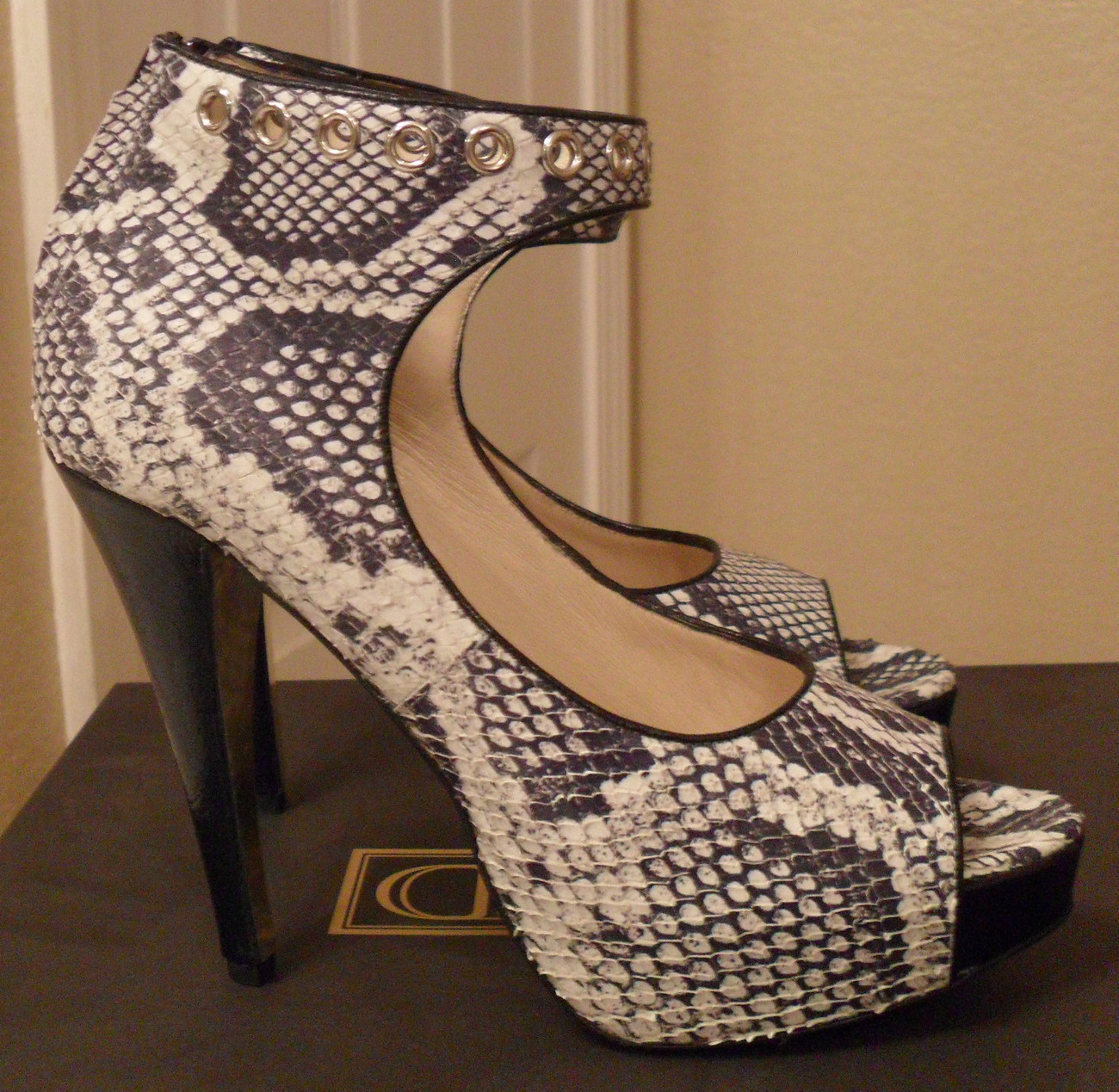 NIB BE & D Madison Boa Printed Leather Ankle Strap Pumps 7.5 NEW $525