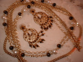 Chain pearl necklace black stone earrings thumb200