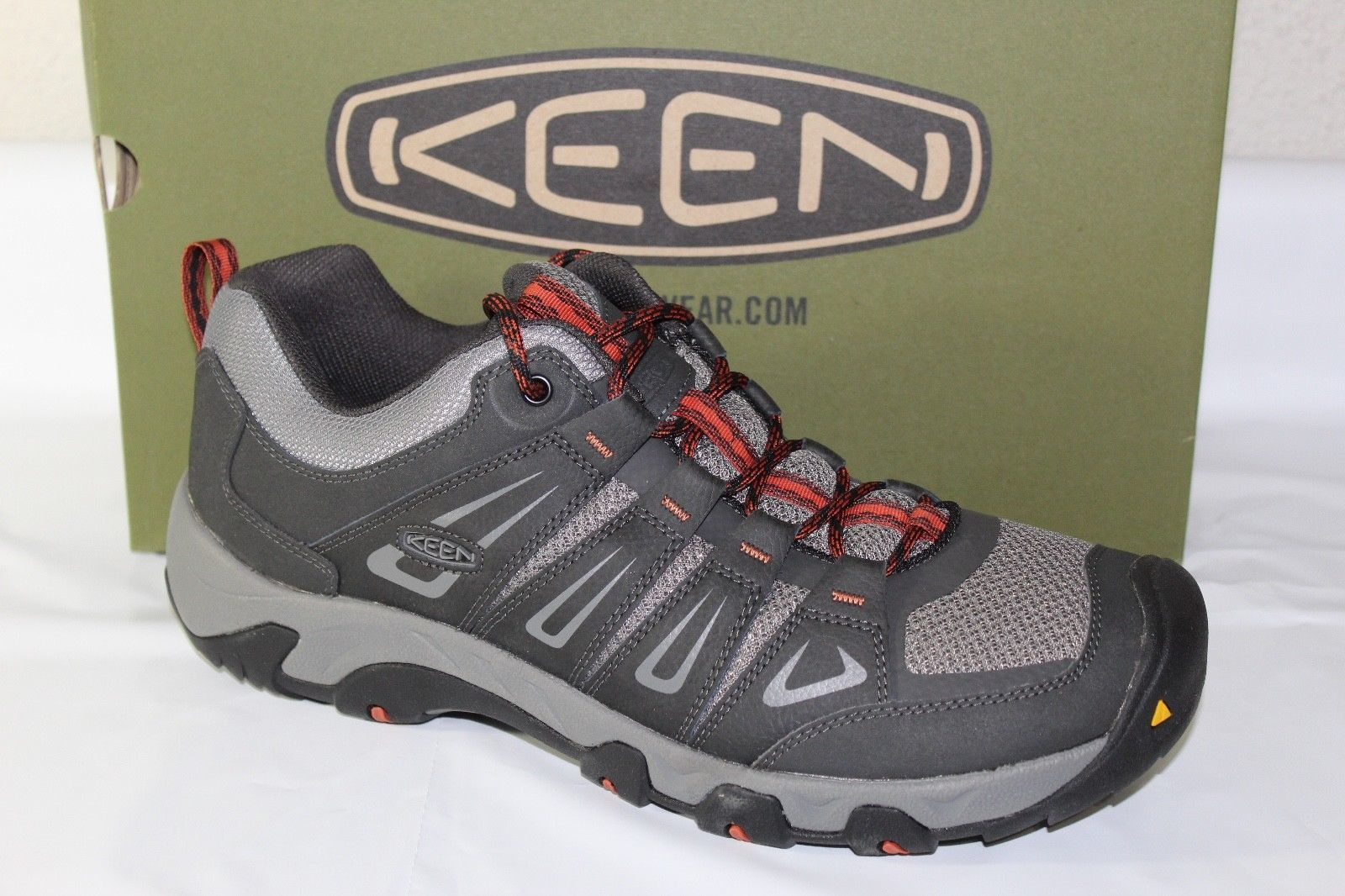 fa9d784b18dd Keens Oakridge Men s Trail Shoes