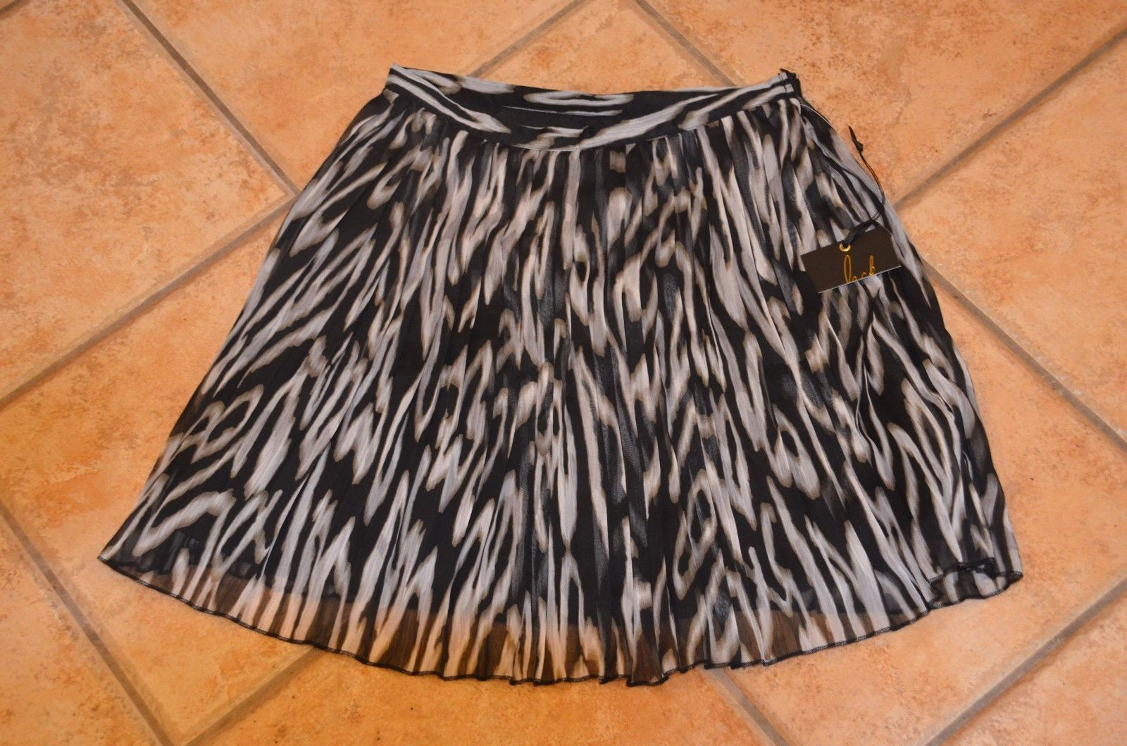 9a0dea39953e Anthropologie 4 Black White Grey and 50 similar items. S l1600