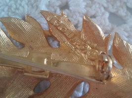 Vintage Coro 1961 Signed Gold Tone Pin Brooch Detailed Feather Leaf image 3