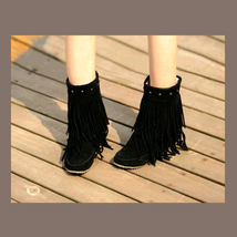 Mid Calf Moccasin Tassel Fringe Style Mountain Boot - Black image 2