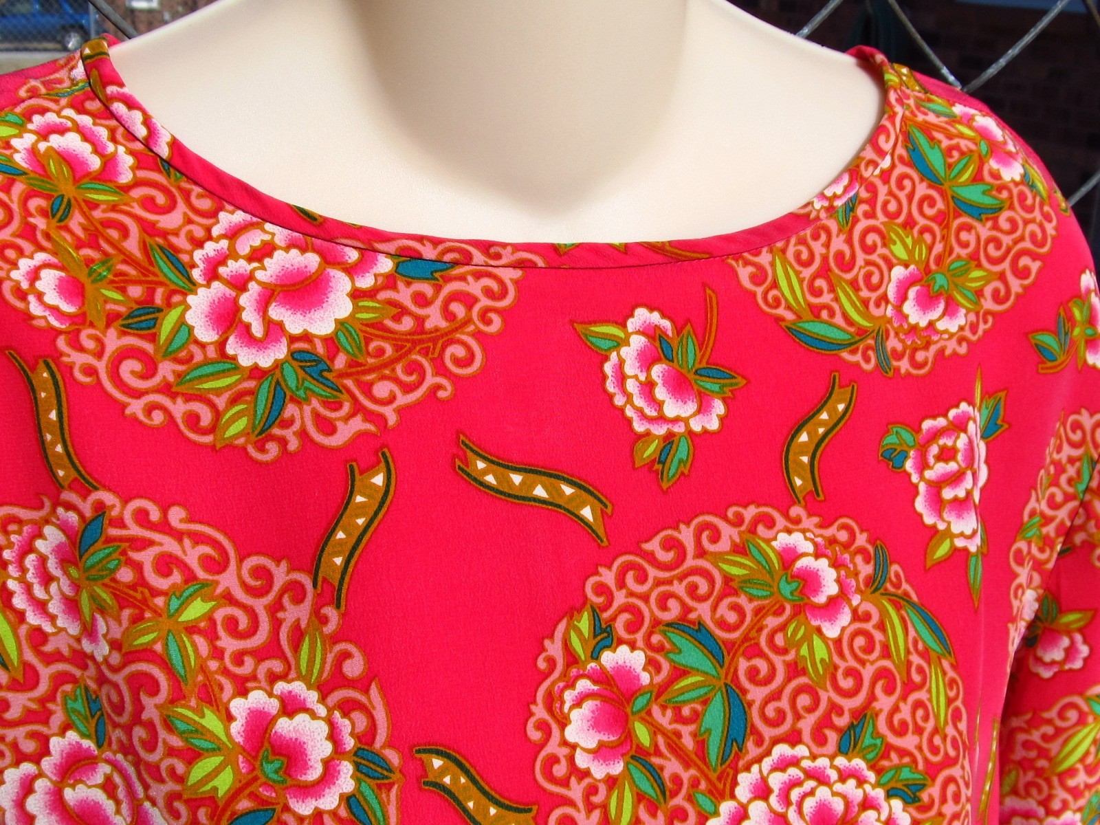 Primary image for Dana Buchman Silk Fuchsia  Floral Blouse Top Size 12