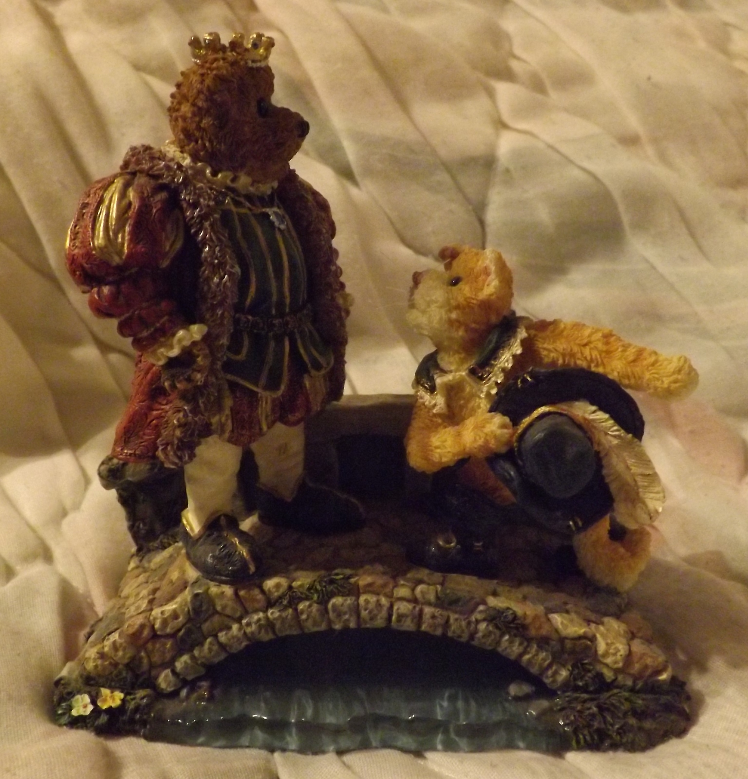 Boyds Bears Resin Puss N. Boots with His Majesty...Royal Encounter