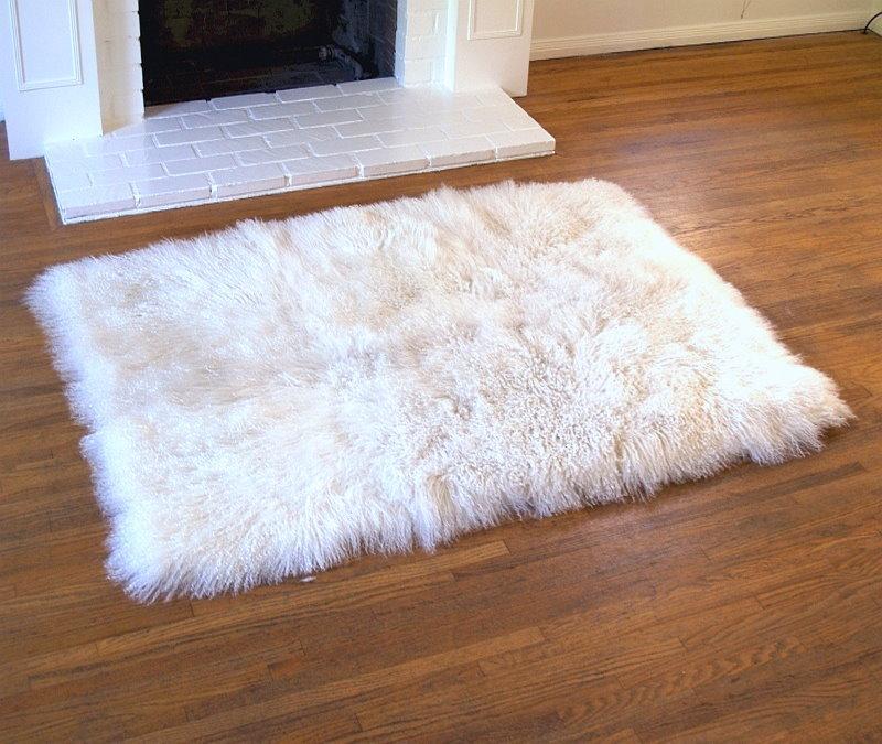 Tibetan Lambs Wool Natural White Fur Rug 4' X 6'