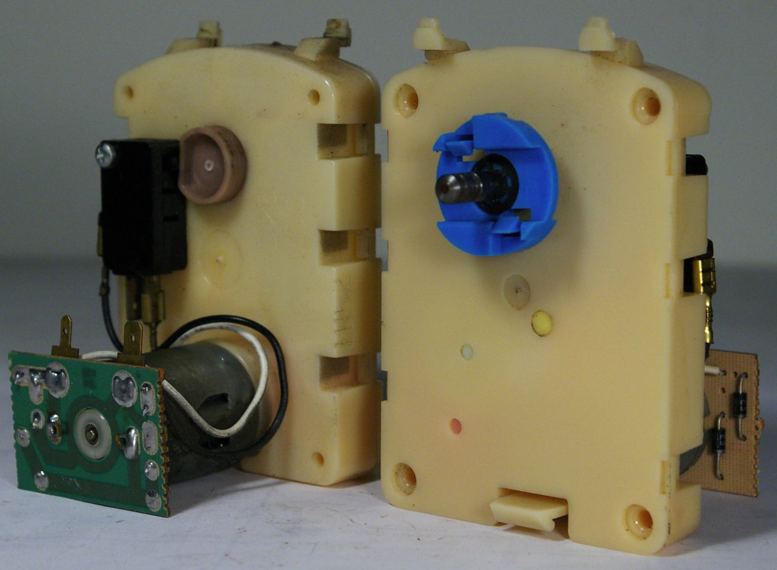 ROWE 4900 Motor Assembly 2 pcs