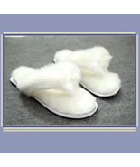 Soft White Thick Fuzzy Feather Haired Thong Sheepskin Slippers - €44,93 EUR