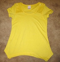 Beautiful Yellow Sequined Top by Xhilaration Child Size S (6-6X) Nice #X156 - $7.99
