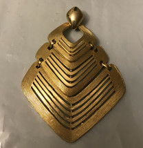 Vintage Pendant CMI - $7.92