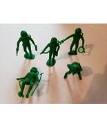 Vintage Space Men Astronaut Crew Plastic Figures 1960s 70s MPC Lot 5 Piece - $6.79