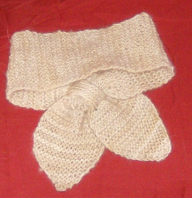 Hand knitted 100% cashmere lotus leaf neck scarf verigated from ivory to tan ...