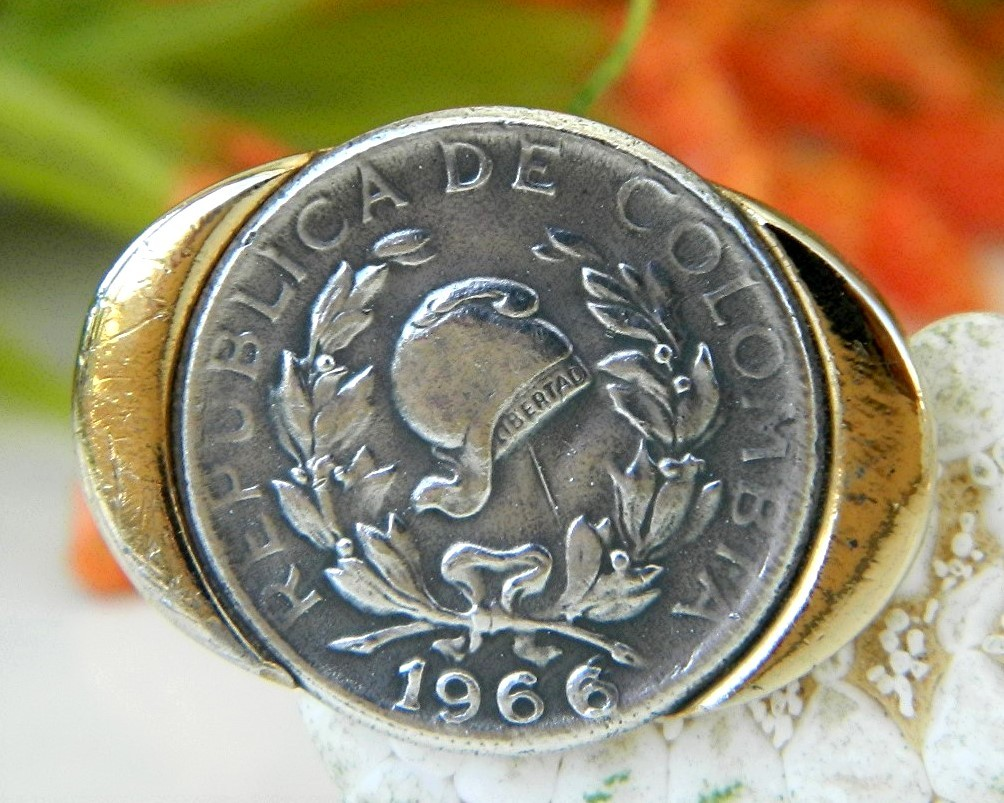 Vintage Columbia 5 Centavos Coin Tie Clip Clasp Signed Shields 1966 - $14.95