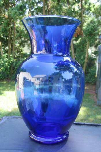 Cobalt Blue Glass Vase & 4 Ceramic Cups Ambiance