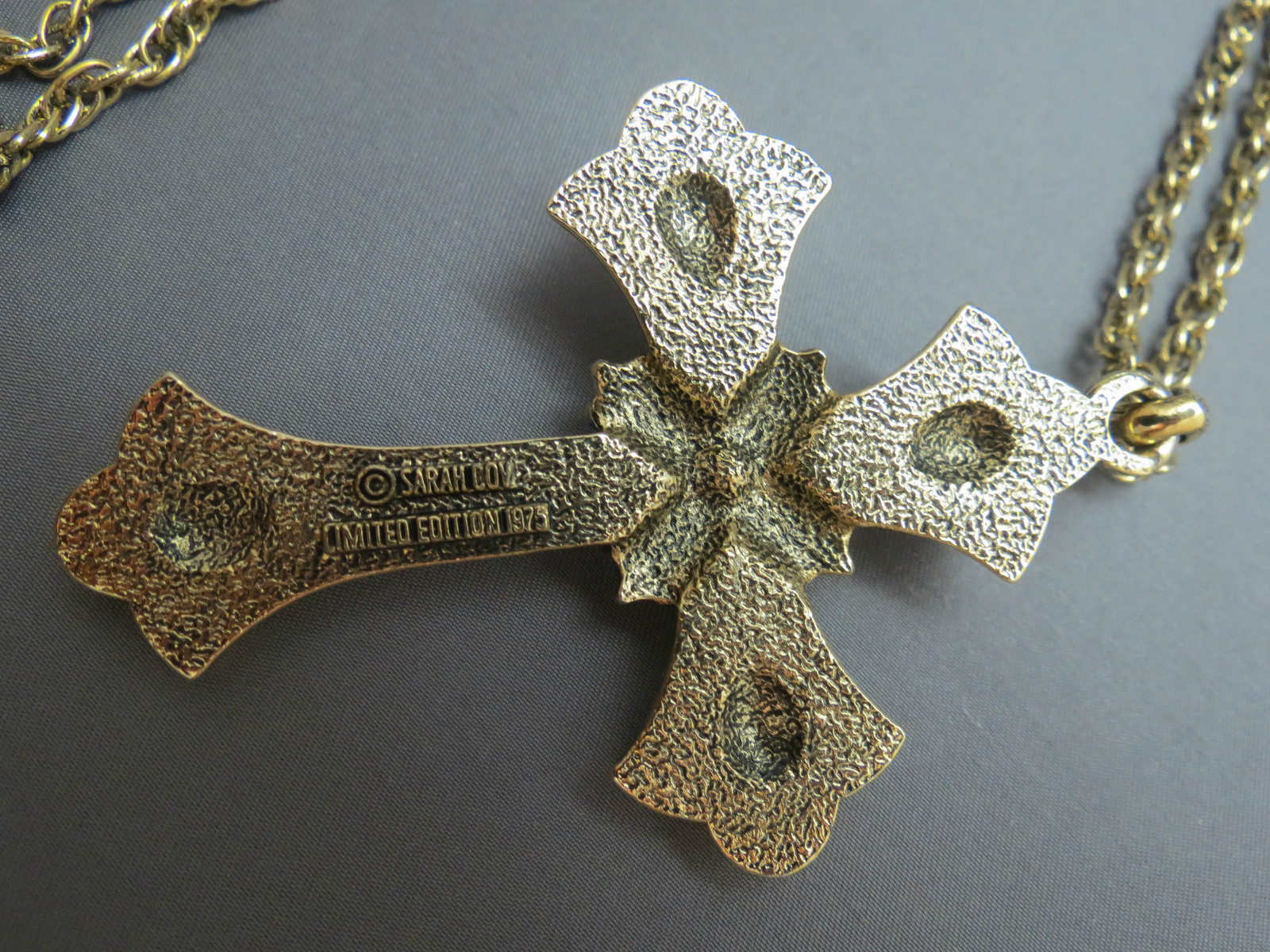 1975 Limited Edition Sarah Coventry Necklace Cross Pendant Antiqued Gold Tone