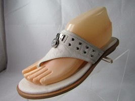 Michael Kors Women's White Leather Charm Thong Sandals Shoes Size 7.5 M - $42.65