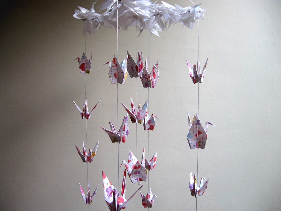 Origami - Crane Mobile Tutorial | DIY Room Decor - YouTube | 720x960
