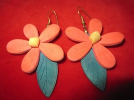 Vintage 60's Style Flower Power Balsa Wood Dangle Earrings - $9.05