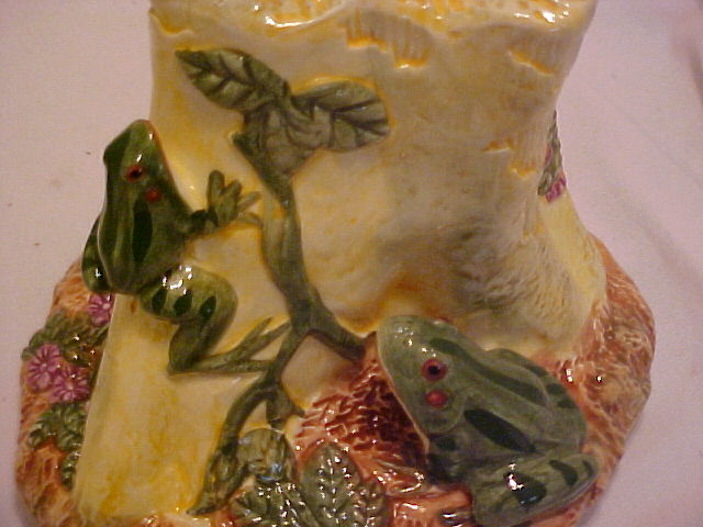 Interior Vase with Frogs