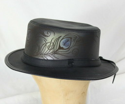 Head N Home Strut By Ashbury Leather Hat M size Peacock Feather Etched S... - €134,58 EUR