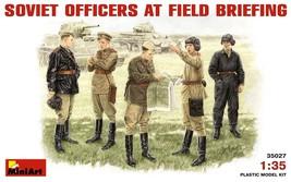 Miniart Models - 35027 - Soviet Officers At Field Briefing - 1/35 - $13.99