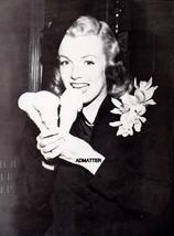 "Marilyn Monroe Pin Up Poster 8 1/2"" X 11"" Eating Ice Cream Sweet Photo Print! - $5.94"