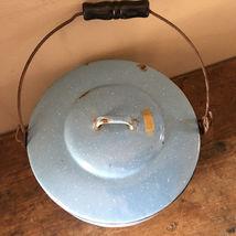 "VTG Enamelware Pail Kettle Blue Stock Pot Lid Wood Handle 10"" Estate camping image 3"