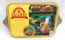 Williams-Sonoma Railway Cake Pan Makes 9 Mini Train Shapes Nordic Ware Gold - $292,90 MXN
