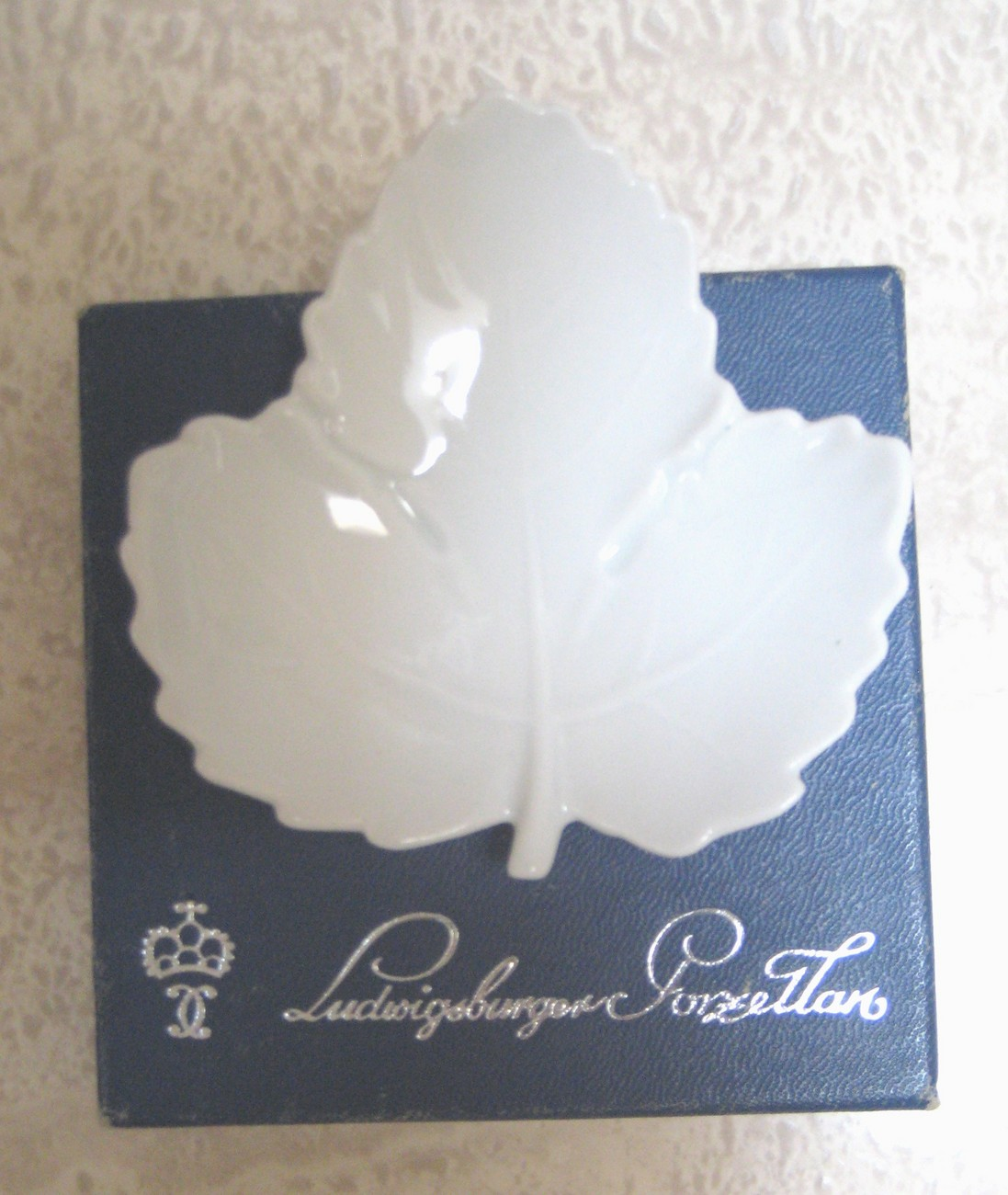 Vintage Leaf dish- MINT in BOX- Ludwigsburger Porzellan